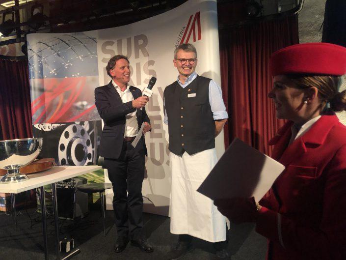 Beim Neujahrsempfang des Österreichischen Aussenwirtschaftscenter in Zürich war Stefan Egger mit seinem Hotel Theresa einer der Sponsoren. Hier mit Manfred Schmid, dem Chef des Aussenwirtschaftscenters bei der Vorstellung des Hotel Theresa!